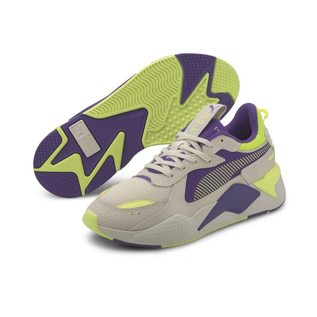 PUMA RS-X Hard Drive Shoes, Color: white, purple, Material: fabric, For its second season, RS-X that is all about RE-IMAGINATION - as the archive technolodgy is reimagined in a future-focused, tech style gets an update with material interest. The Hard Drive pack arrives in bright and contrast colourways. Additionally, the rough textures and contrasting materials on the upper help to capture the underlying hard theme. Colourblocking on the midsole reinforces this sense of aesthetic contrast.
