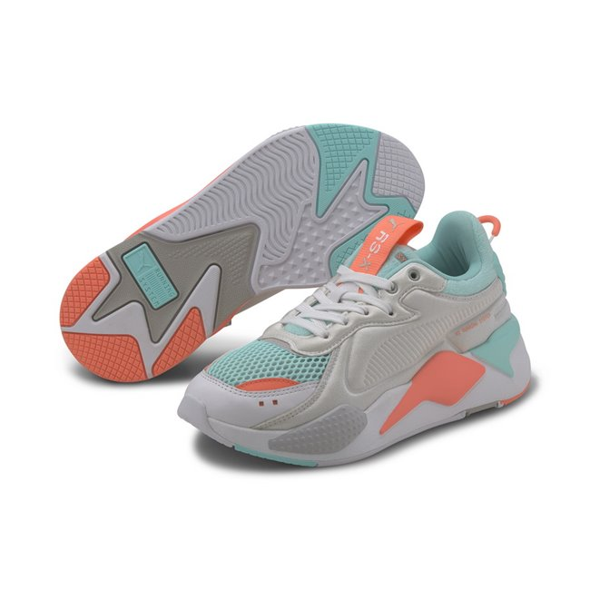 PUMA RS-X SOFTCASE Shoes, Color: white, blue, Material: synthetic leather, For its second season, RS-X that is all about RE-IMAGINATION - as the archive technology is reimagined in a future-focused, tech style, arrives in on-trend colourways, with a playful two-tone mesh on the vamp. The smooth premium leather and the lycra foam-backed upper help to capture the underlying soft theme behind the pack. The midsole remains monotone and muted, with the colour interest emerging on the upper.